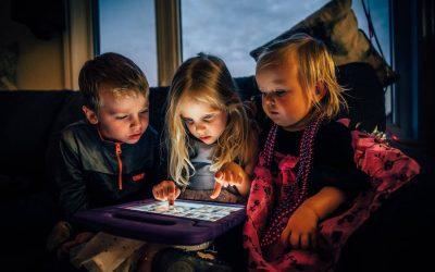 O perigo das telas no desenvolvimento infantil